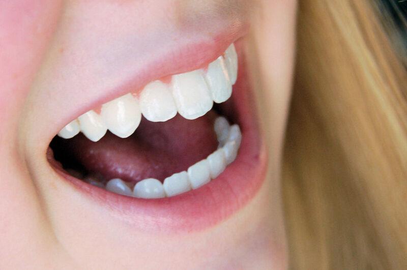 smile-1434166-1599x1061